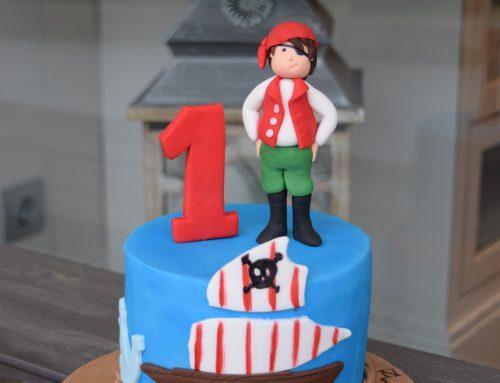 Ο πειρατής πάνω στην τούρτα