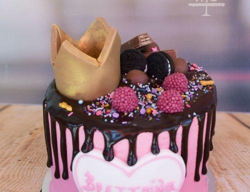 Drip cake με κορώνα
