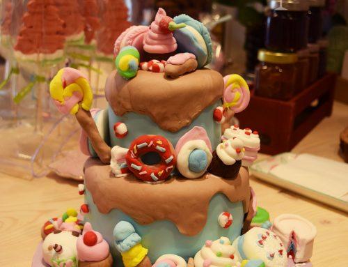 Τούρτα ζαχαρωτά φτιαγμένη απο παιδιά!